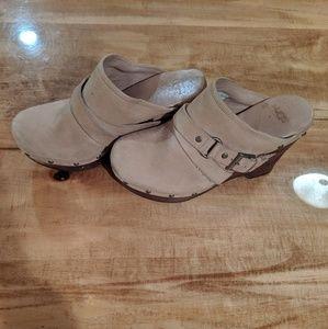 UGG Natalee Clog Mule Heeled Leather Style 1001315